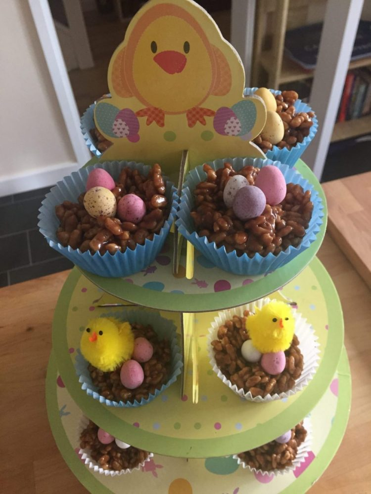 Easy Chocolate Easter Cakes