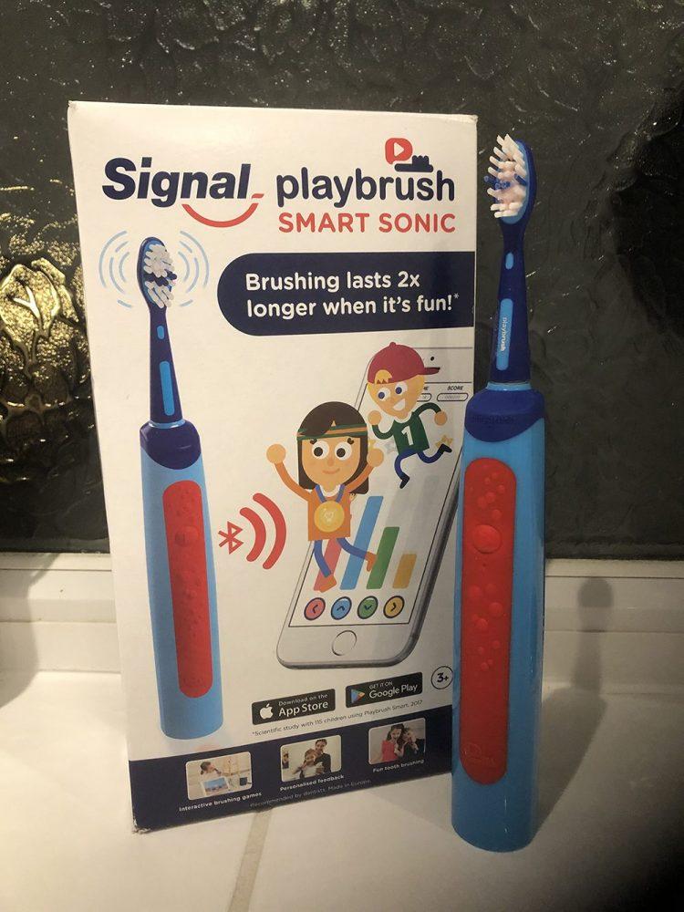 Playbrush toothbrush and box