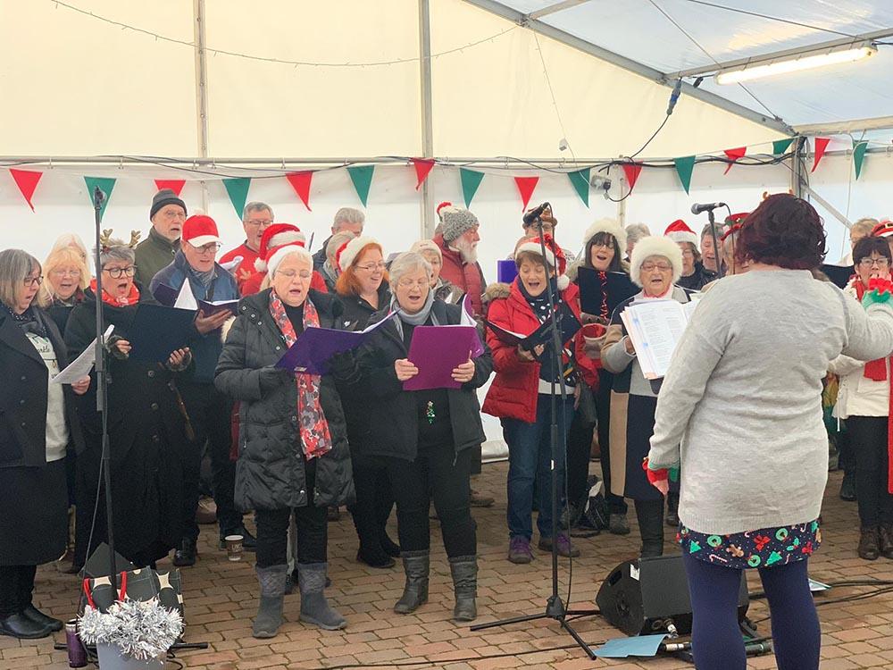 Choir singing christmas songs