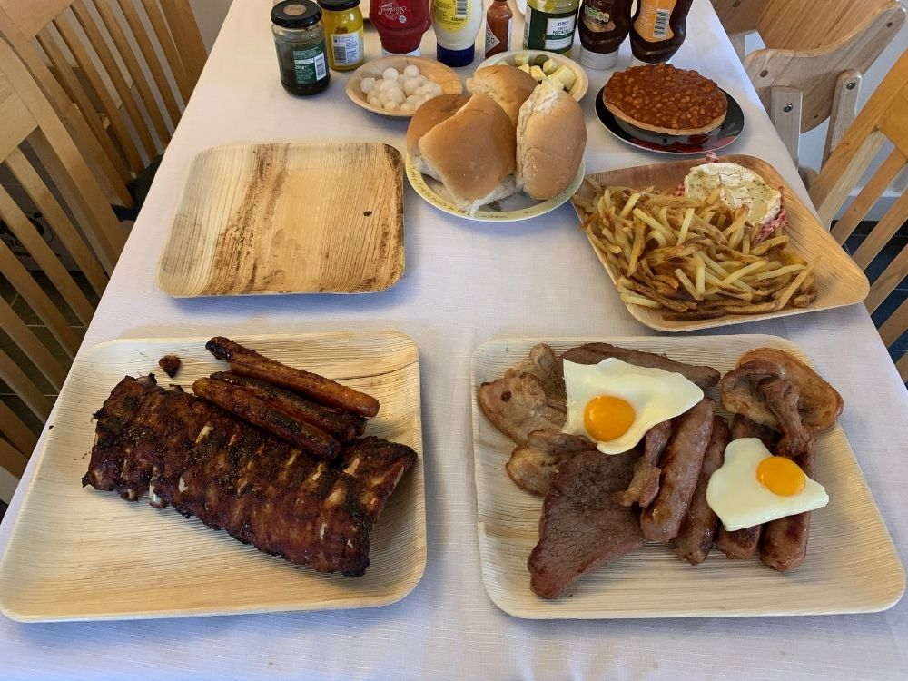 Table of bbq food