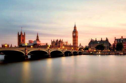 Scene of London bridge